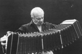 Astor Piazzolla al bandoneon